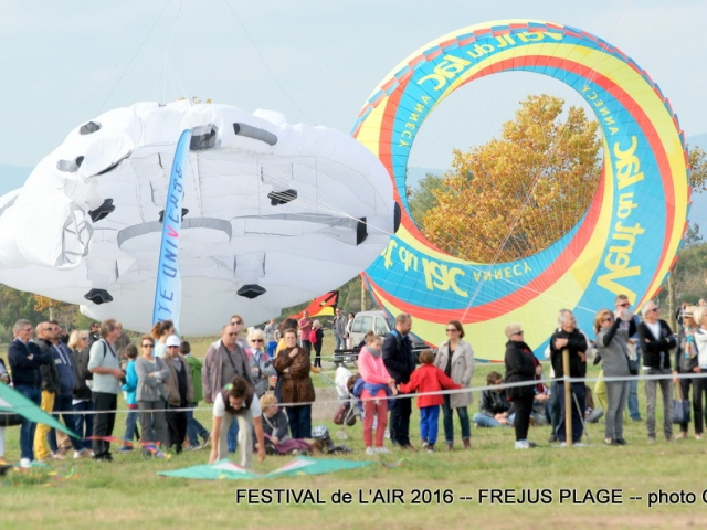 Photographe Claude Burillon : FESTIVAL DE L'AIR 2016 PORT FREJUS